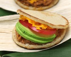 Venezuelské jedlo Arepas